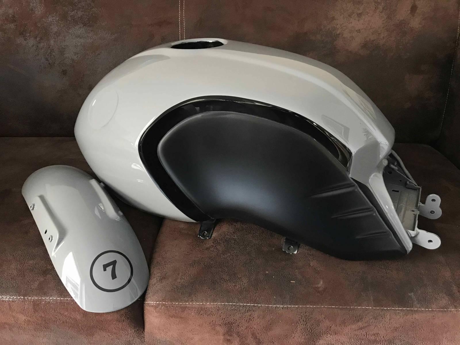 peinture r servoir nine t peinture personnalis e pour moto la ciotat harley davidson l. Black Bedroom Furniture Sets. Home Design Ideas