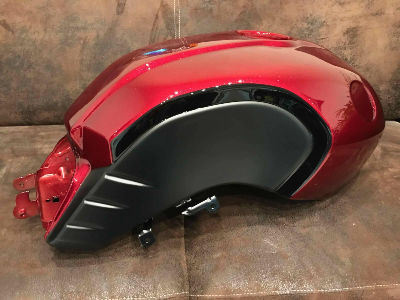 peinture nine t metal flake rouge peinture personnalis e pour moto la ciotat harley. Black Bedroom Furniture Sets. Home Design Ideas